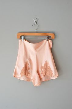 tap pants / satin blush pink lingerie knickers / Burlesque / Pin Up Lingerie Fine, Pretty Lingerie, Vintage Lingerie, Beautiful Lingerie, Pink Lingerie, 1930s Fashion, Vintage Fashion, Marcel Rochas, Looks Style