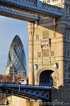 Arquitetura antiga e nova de Londres (Tower Bridge e Gherkin, respectivamente) New London, London Eye, London City, London 2016, England And Scotland, England Uk, London England, Gherkin London, London Architecture