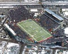 Taylor Field Regina Saskatchewan: I would like to go to a Riders game yet in my life and see Saskatchewan.