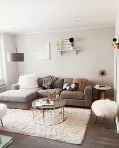 32 Perfect Small Living Room Ideas For Apartment - ✨ Room decor ✨ - Apartment Decor Small Apartment Living, Small Living Rooms, Home Living Room, Modern Living, Minimalist Living, Modern Room, Minimalist Furniture, Living Room Ideas For Apartments, Living Room Decor College