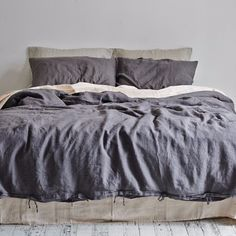 In Bed duvet cover made from flax linen in stunning charcoal, amazingly soft feel. Linen is a dream to sleep in year. Linen Bedroom, Linen Duvet, Duvet Bedding, Linen Pillows, Bed Linens, Comforter Sets, King Comforter, Luxury Bedding Collections, Luxury Bedding Sets