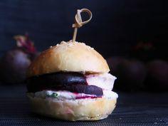 Punajuuriburger/peetroot burger