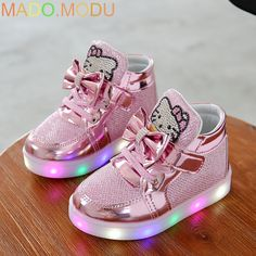 64943442696c3 KT Chats 2016 Nouvelle Marque Enfant Baskets Lumineuses Strass Enfants LED  Clignotant Boot filles Casual Chaussures