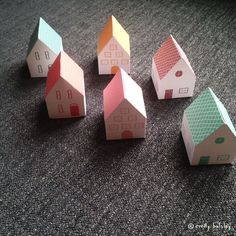 Tiny Paper Houses by Emily Balsley for Happy Happy Art Collective Cute Crafts, Diy Crafts, Diy For Kids, Crafts For Kids, Elf On The Shelf, Paper Towns, Glitter Houses, Paper Houses, Happy Art