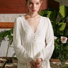 White Nightgown, Bridal Nightgown, Vintage Nightgown, Italian Renaissance Dress, Renaissance Gown, Pink Vintage, Vintage Dior, Vintage Cotton, Night Gown Vintage