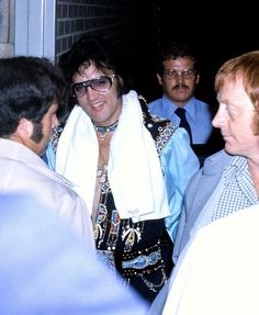 A tired but happy Elvis arriving back at the hotel after his concert in Springfield, MA on July 15, 1975
