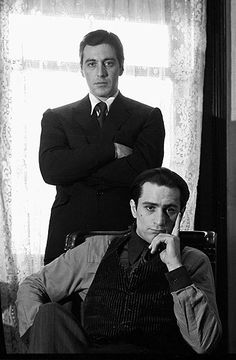 A gallery of The Godfather: Part II publicity stills and other photos. Featuring Al Pacino, Robert De Niro, Diane Keaton, Francis Ford Coppola and others. Classic Hollywood, Old Hollywood, Movie Stars, Movie Tv, The Godfather Part Ii, Godfather Movie, Don Corleone, Classic Movies, Best Actor