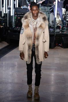 Znalezione obrazy dla zapytania Young Thug X New York Fashion Show New York Fashion, Mens Fashion, High Fashion, Young Thug Fashion, Lil Durk, Twin Outfits, Guy Outfits, Gucci Mane, Fashion Show Collection
