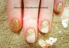 Golden lace with Gel ll Manicure & Magpie Glitter   #gelllmanicure  #goldenlace #secretengagement #nothingatall #glitter  #magpieglitter #goldie #beautifulnails #secretofhealthynails #nailsecret #nailart #nailledit #nails #longlasting #21dayswear #naildesign #nailstagram @scratchmagazine @thecreativebeautygroup @magpie_beauty @gel_two #tracysivelleducationemissary