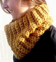 Ribbed Cowl Scarf. Great color.