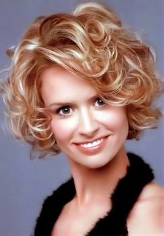 Short curly hair - this girls smile is scary