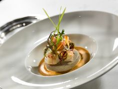 Fresh langoustine with herbs and flowers, royal mushrooms - Trend Appetizer Fine Dining 2019 Chefs, Bistro Food, Shrimp Appetizers, Modern Food, How To Cook Fish, Mushroom Recipes, Food Design, Food Plating, Fine Dining