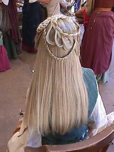 Half updo! This maiden's hair is gorgeous