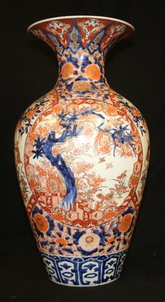 18TH/19TH C IMARI PORCELAIN FLOOR VASE Japan / Japanese Antiques : More At FOSTERGINGER @ Pinterest ⚫️