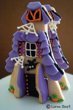 3-D Haunted House Cookies · Edible Crafts | CraftGossip.com