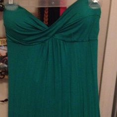 Maxi sweetheart strapless dress! NWOT Maxi sweetheart neckline strapless dress. Second picture shows the backside of the dress which has a peep hole open which makes it unique and sexy cute . Dress says small but fits medium as well. Body Central Dresses Strapless