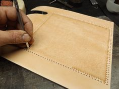 seat motorcycle tools Leather craft, tooled seats. Custom leder atelier asiento moto cuero