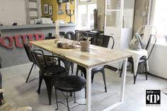 Frisse industriële eettafel met wit metalen frame en massief mango houten blad