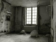 Nieuw in mijn Werk aan de Muur shop: verlaten kamer