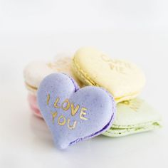 These DIY jumbo macaron conversation hearts are a modern spin on a Valentine's Day classic!