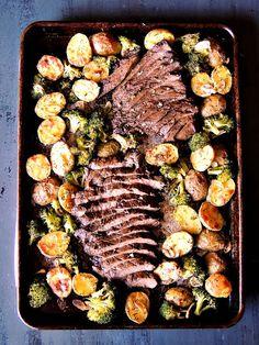 Sheet Pan Steak with Potatoes and BroccoliReally nice recipes.  Mein Blog: Alles rund um die Themen Genuss & Geschmack  Kochen Backen Braten Vorspeisen Hauptgerichte und Desserts
