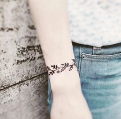 Bracelet Tattoo by Milena