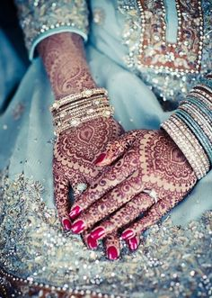 this willbe what my hands will loook like lol