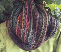 Vivre au crochet: Snood Lison - Infinity, oversize cowl by Lucie