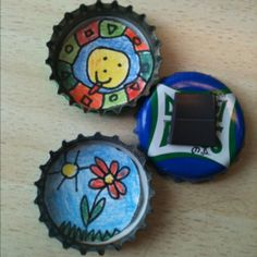 Bottle top magnets, with magnet tape Crafts For Kids, Diy Crafts, Bottle Top, Pre School, Fathers Day, Presents, Cap Ideas, Children, Father's Day