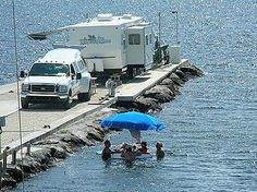 Now that is camping near the water. Rv Parks In Florida, Florida Camping, State Of Florida, Florida Keys, Key Largo Florida, Rv Parks And Campgrounds, Rv Sites, House On Wheels, Ocean