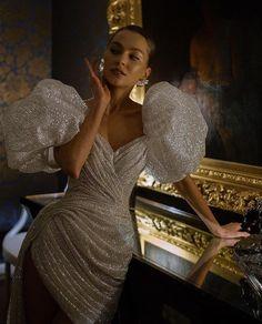 """ГЛАВНЫЙ БЛОГ О СВАДЬБАХ on Instagram: """"Вдохновение её образом 😍 Блестящее платье: да или нет? ⠀ 📷@iamlinagasanova@now_family_@antonovakseniya@murashkaofficial"""""""