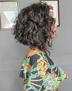 Short and long layered curly hairstyles - Hair styles - Bob HairStyles Short Layered Curly Hair, Boys With Curly Hair, Haircuts For Curly Hair, Curly Hair Cuts, Layered Hairstyles, Relaxed Hairstyles, Curly Lob Haircut, Medium Curly Bob, Summer Hairstyles