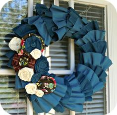 I recently just learned how to make these roses. Love the blue!