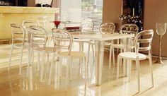 Frape, scaun de terasă. Structură din polipropilenă întărită cu fibră de sticlă. Disponibil pe alb / transparent și negru. Scaunele Frape pot fi suprapuse. Minimalism, Chair, Furniture, Home Decor, Decoration Home, Room Decor, Home Furnishings, Chairs, Arredamento