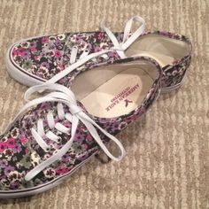 SALE🌷FLORAL AMERICAN EAGLE SNEAKERS Barley worn American eagle floral sneakers-love but are too big for me . Worn once -perfect condition other than one shoe lace being slightly dirty from walking..SMOKE FREE HOME FAST SHIPPING follow for more deals! American Eagle Outfitters Shoes Sneakers