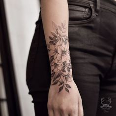 Simply From Beautiful Flower Tattoo Drawing Ideas For Women - T . - Simple Of Beautiful Flower Tattoo Drawing Ideas For Women – Tattoos & Piercings – t - White Flower Tattoos, Black And White Flower Tattoo, Flower Wrist Tattoos, Beautiful Flower Tattoos, Tattoo Flowers, Tattoo Ideas Flower, Gladiolus Tattoo, Flower Ideas, Tattoo Floral