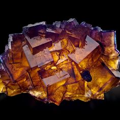 Fluorite from Cave in Rock, Illinois, USA (specimen: Fine Mineral International, photography: James Elliott)