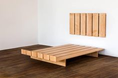 diy Bed Frame floating - Full Size Contemporary Maple Platform Bed with Floating Headboard Bed Frame Design, Diy Bed Frame, Bedroom Bed Design, Bedroom Sets, Platform Bed Designs, Bed Platform, Floating Platform Bed, Pallet Furniture, Bedroom Furniture