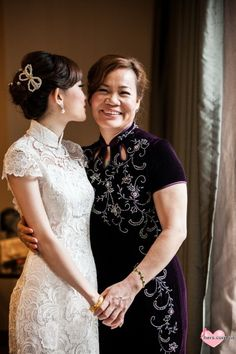 pretty dress Chinese Dress Cheongsam, Cheongsam Wedding, Cheongsam Modern, Classy Wedding Dress, Stunning Wedding Dresses, Wedding Gowns, White Shift Dresses, Fashion For Petite Women, Traditional Wedding Dresses