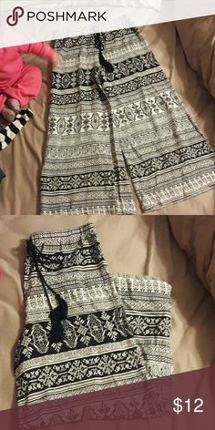 Flash Sale!! Cute boho pants 🚫❣Flared legs with tie at waist. Very cute just not my style.❣🛇 Sans Souci Pants