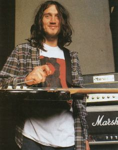 John Frusciante Picture Thread - Red Hot Chili Peppers RHCP Fansite Forum News Source