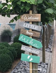 birth post, birth sign, mint green birth sign, old pink birth post, sign with . Baby Shower Parties, Baby Boy Shower, Storch Baby, Welcome Home Baby, Vogue Kids, After Baby, Baby Hacks, Baby Sleep, Kids And Parenting