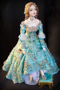 Cinderella ballet doll.  GRS says:  Where do all these dolls appear from?  Each time I think I have sort of seen most, there are more.  Lovely dress!