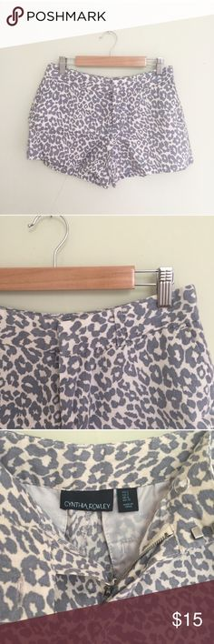 """Cynthia Rowley Leopard Linen Shorts This lovely shorts are in excellent condition. I bought these and took the tags off but never wore them out.  They're the perfect neutral pattern to wear with any color top or sweater. They'd also be cute layered with tights!   Size 2, 3.5"""" inseam, 8"""" rise, 30"""" waist. No fabric tag, feels like linen. No trades, offers welcome! Cynthia Rowley Shorts"""