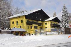 Oferta cu multe reduceri, avantaje, bonusuri, ideala ptr. familii cu copii si buinici! Iarna 2015-2016: 3* Hotel Sonnwirt, Sankt Gilgen Regiunea de schi Postalm - 1200 m - 1900m, 1x telescaun cu patru locuri, 7x teleski. Al doilea mare platou ca marime din Europa intre Abtenau si Strobl in regiunea Wolfgangsee. Partia de schi fond Postalm, este in egala masura pentru incepatori si avansati cu – trasee de la 4,5 km la 15 km. Regiunea de schi Gaissau-Hintersee: 750- 1 567 m altitudine, 6…