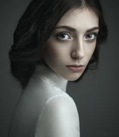 Just love this portrait, so simple & elegant Has to be viewed full to really appreciate it.