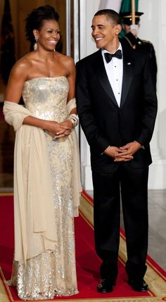 Michelle Obama wear Naeem Khan on black tie event in White House