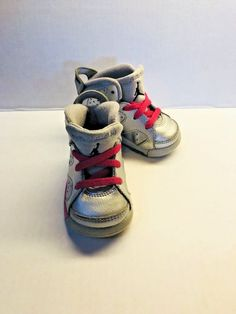 5db77928e2ff0e EXCELLENT RETRO BABY AIR JORDANS SIZE 4 SNEAKERS TODDLER SHOES SILVER NEON  PINK  fashion