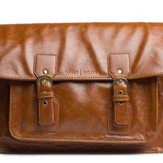 Kelly Moore diseña bolsos para cámara reflex que al mismo tiempo son bolsas para bebés o un bolso ideal para ir a la oficina. ¿Quieres verlo?
