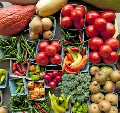 Fall is the time of year for crisp air, warm sweaters, and a bountiful harvest. Yummy veggies that have been growing all year are at their peak, bringing us great food to look forward to as the days get shorter. Organic Meat, Eating Organic, Organic Farming, Organic Recipes, Fall Vegetables, Veggies, Real Food Recipes, Great Recipes, Bountiful Harvest